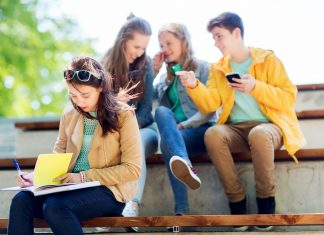 How Families Can Survive Teen Internet and Social Media Addictions